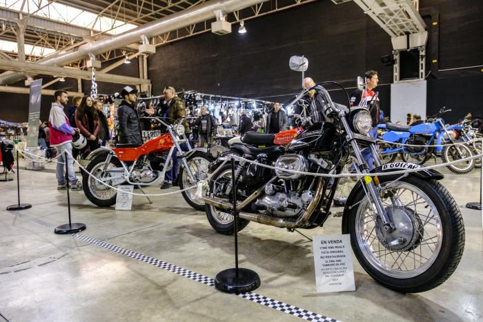 Exposició de motos en La Farga