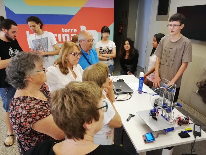 Prototipar solucions a reptes socials a l'escola