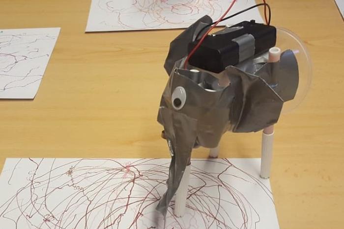Drawbots. Introducción al Mundo Maker