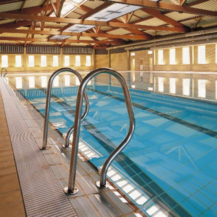 Imatge de la piscina oberta