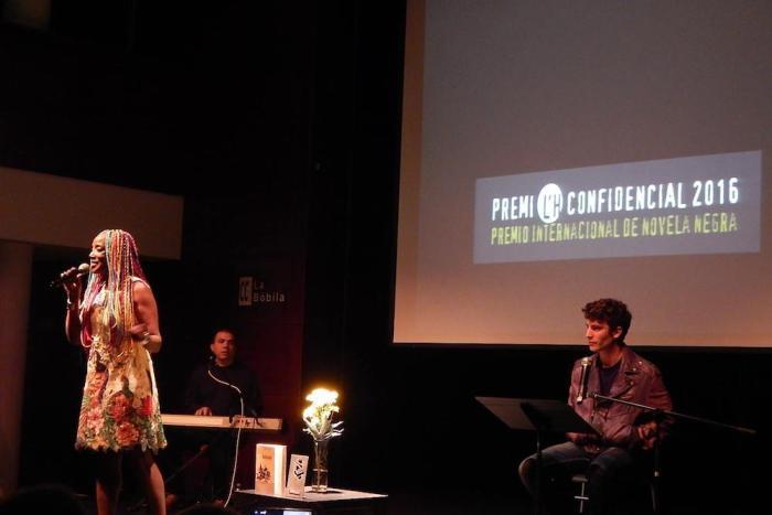 Veure imatge de Premi LH Confidencial